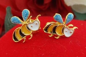 ต่างหูผึ้งลงยา