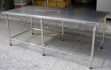โต๊ะหน้าสเตนเลสขนาด 2 เมตร
