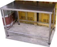 โต๊ะหน้าสเตนเลสขนาด 1 เมตร