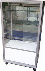 ตู้กระจกโชว์สินค้า 3 ชั้น สีขาว ทรงสูง 155 ซม.พร้อมช่องเก็บของ