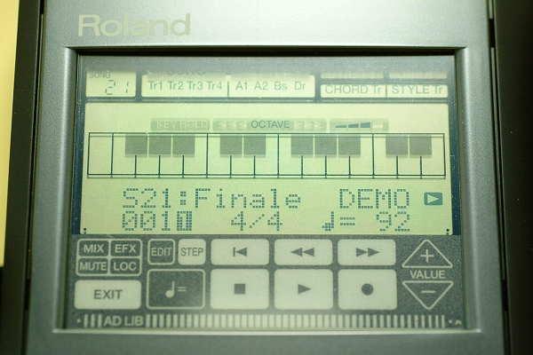 Roland PMA-5 ซาวด์SC-55mkIIในตัว ขนาดพอคเก็ตบุ๊ค พกพาสะดวกต่อคอมคาราโอเกะ/ซีเควนเพลง ปากกาแตะจอ 2