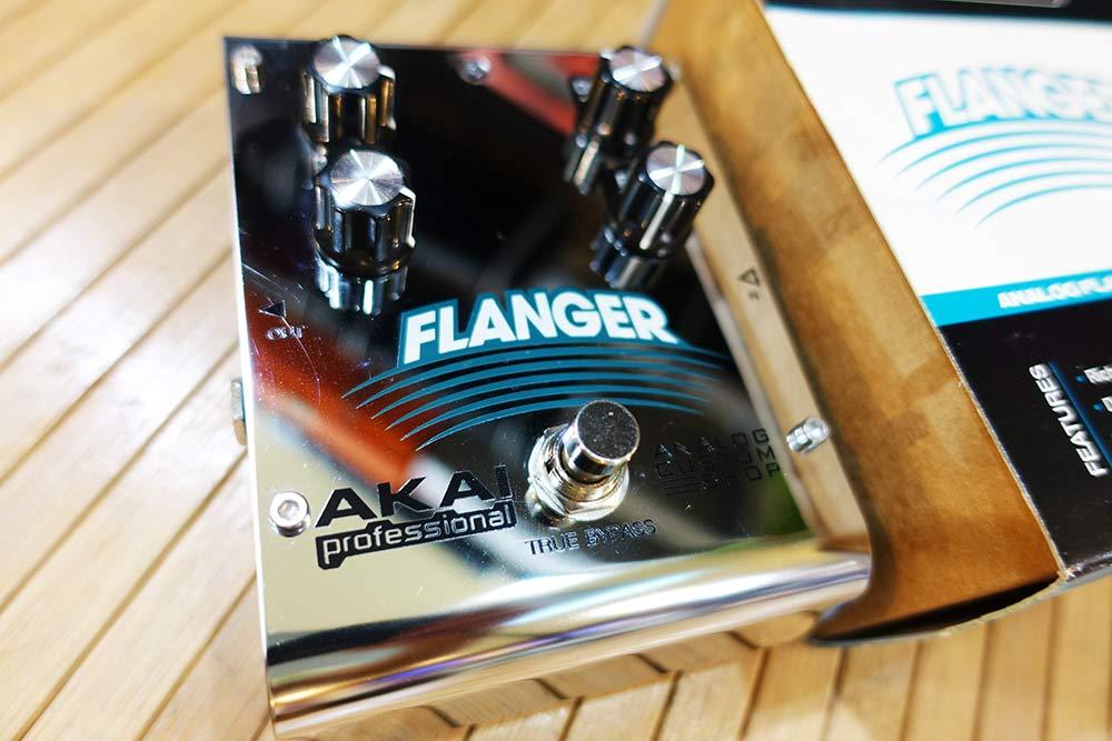 AKAI Analog Custom Shop Flanger ตัวคัสต้อมเมดJP เสียงดีสุดๆ ใครเคยเล่นboss ให้มาลองตัวนี้ คนละเรื่อง