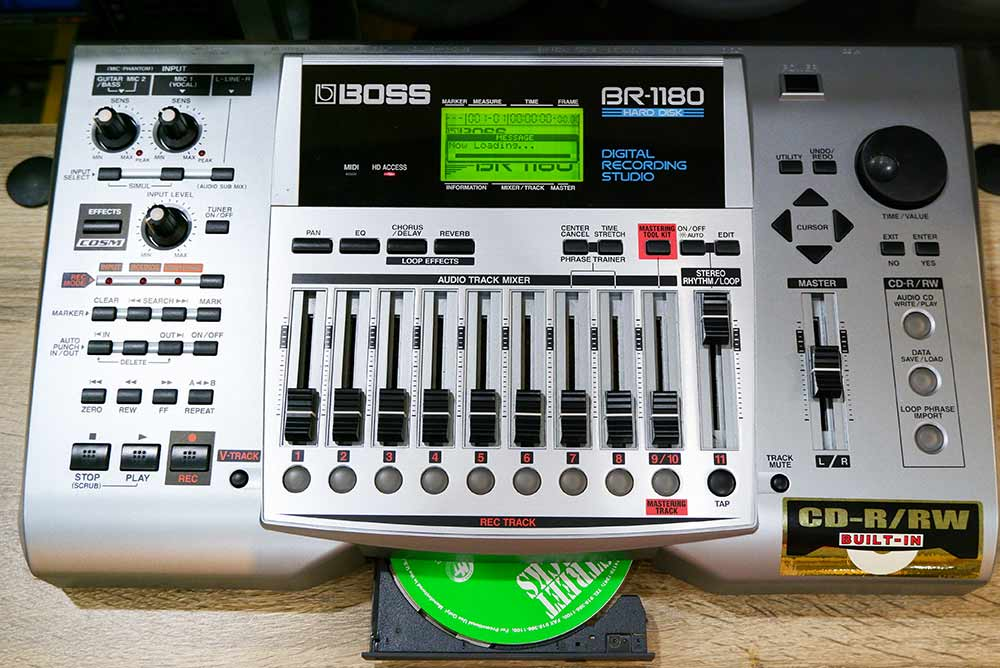 BOSS BR-1180 Digital Recording Studio 10แทร็ค HDD20GB และ CD-RWในตัว ไรท์แผ่นเล่นแผ่นได้ ยังใหม่เอี่ 1