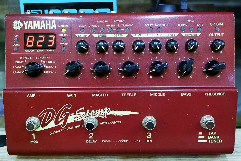 YAMAHA DG-STOMP Guitar Preamp  Multi Effects Processor