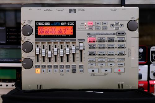 Boss BR-600 Digital Recorder ยังใหม่เอี่ยม พร้อมเคสแท้และ เมม128MB อะแด๊ปเตอร์คู่มือครบ