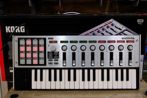 KORG MC-1 MICROKONTROL 37คีย์ 16pad USB  MIDI Light&Sound Control ให่ม่เอี่ยม กล่องครบ
