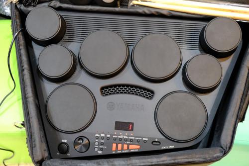 YAMAHA DD-75 กลองไฟฟ้าตัวท๊อป พร้อมกระเป๋าตรงรุ่น ขากลอง ฟุต2อัน ไม้กลองครบ ไฟ220V ยังใหม่เอี่ยม กล่
