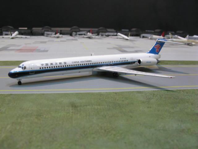 PHOENIX 1:400  CHINA SOUTHERN MD-82