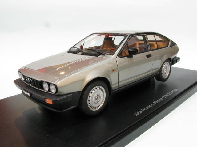 AUTOart 1:18 ALFA ROMEO ALFETTA GTV 2.0 1980