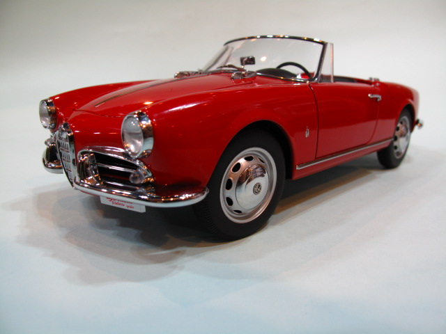 AUTOart 1:18 ALFA ROMEO GIULIETTA 1300 SPIDER 1957