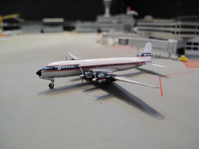 GEMINI JETS 1:400 DELTA DOUGLAS DC-6 N1904M GJ973