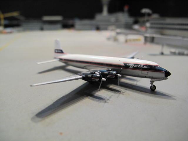 GEMINI JETS 1:400 DELTA DOUGLAS DC-6 N1904M GJ973 2