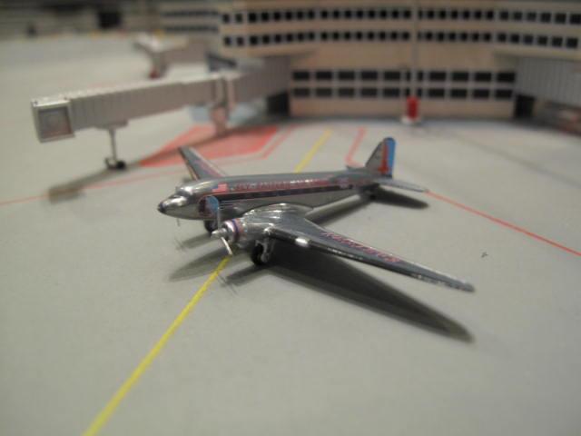 GEMINI JETS 1:400 EASTERN AIR LINES DOUGLAS DC-3 N18124 GJ1108