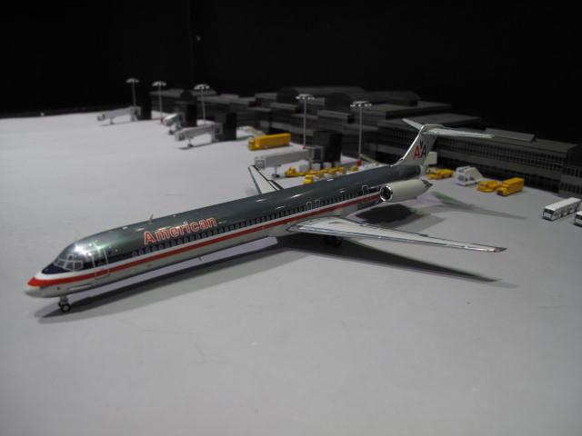 GEMINI JETS 1:200 AA MD-82 N488AA G2389