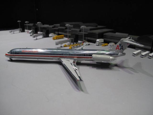 GEMINI JETS 1:200 AA MD-82 N488AA G2389 1