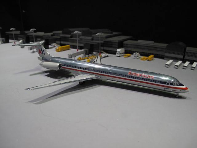 GEMINI JETS 1:200 AA MD-82 N488AA G2389 2