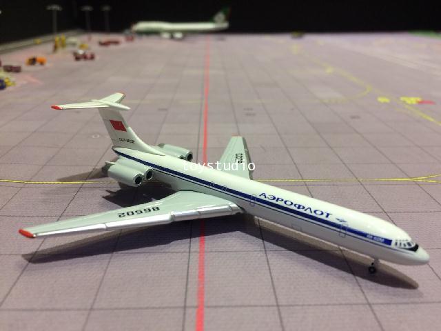 HERPA WINGS 1:500 Aeroflot IL-62M CCCP-86502 HW530842