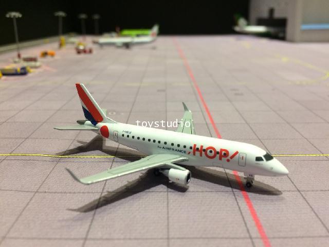 HERPA WINGS 1:400 Air France Embraer E170 F-HBXE HW562621