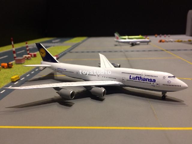 HERPA WINGS 1:500 Lufthansa 747-8 Sachsen D-ABYC HW516068-005
