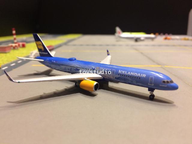 HERPA WINGS 1:500 Icelandair 757-200 80Years TF-FIR HW531108