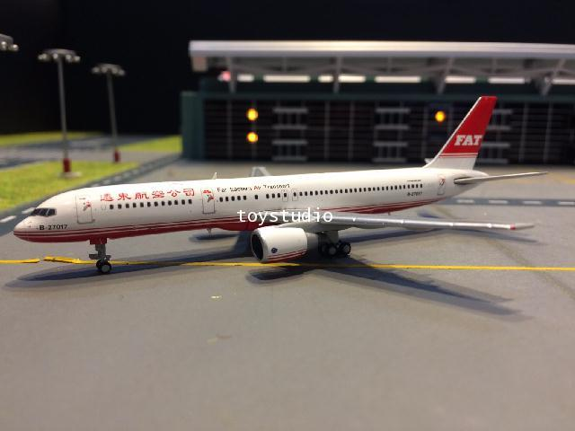 JC WINGS 1:400 Far Eastern Air Transport 757-200 B-27017 EW4752003 1