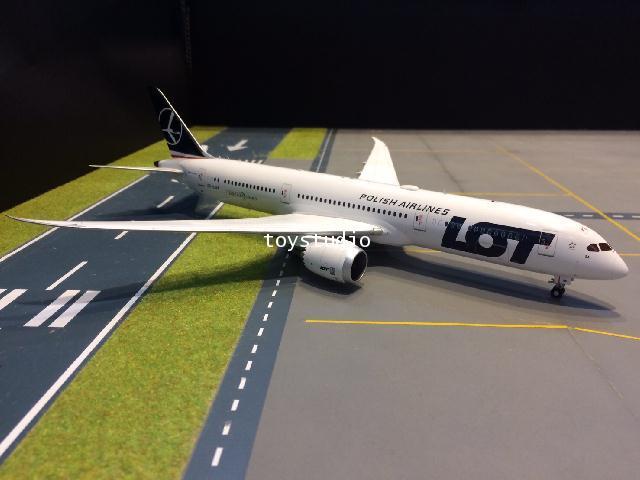 JC WINGS 1:200 LOT 787-9 SP-LSA XX2136