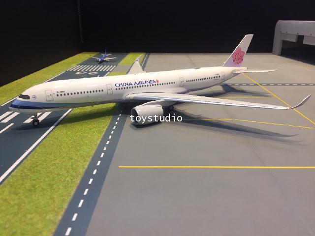 PHOENIX 1:200 China A350-900 B-18916 100063 1