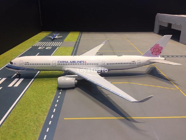 PHOENIX 1:200 China A350-900 B-18916 100063 2