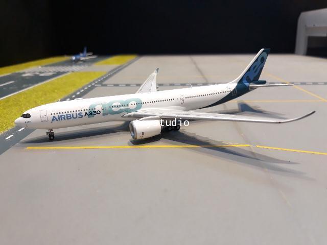 JCWINGS 1:400 Airbus A330-900NEO F-WTTN LH4114 1
