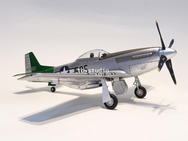 HOBBY MASTER 1:48 P-51D Mustang Capt Abner M Aust HA7743A