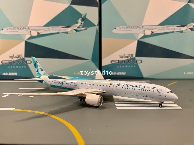 Phoenix 1:400 Etihad 787-10 A6-BMH P4318