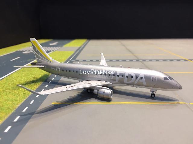 JC Wings 1:200 Fuji Dream Embraer 170-200STD JA10FJ EW2175003