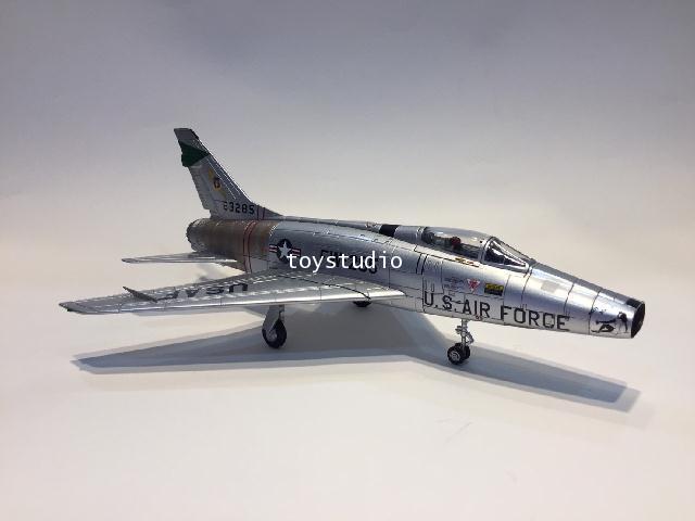 Hobby Master 1:72 F-100D Super Sabre Pretty Penny HA2122