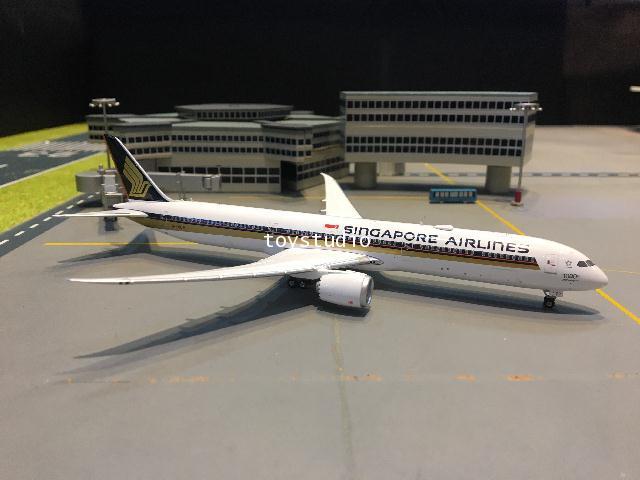 Phoenix 1:400 Singapore 787-10 9V-SCP 1000th P4331