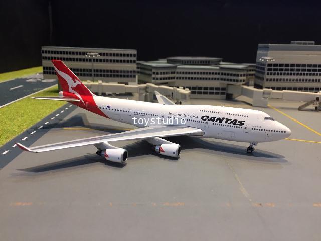 Phoenix 1:400 Qantas 747-400 VH-OEE Last Flight P4329