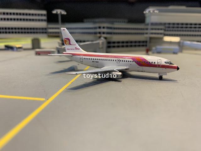Aero Classics 1:400 Thai 737-200 HS-TBC ACHSTBC