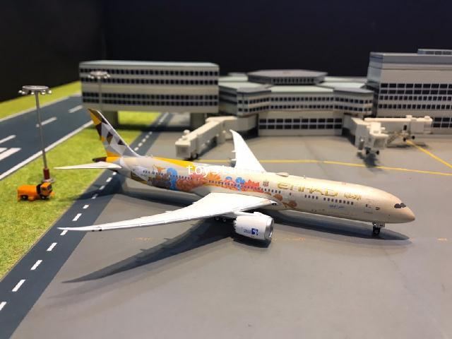 Phoenix 1:400 Etihad 787-9 A6-BLJ Thailand P4337