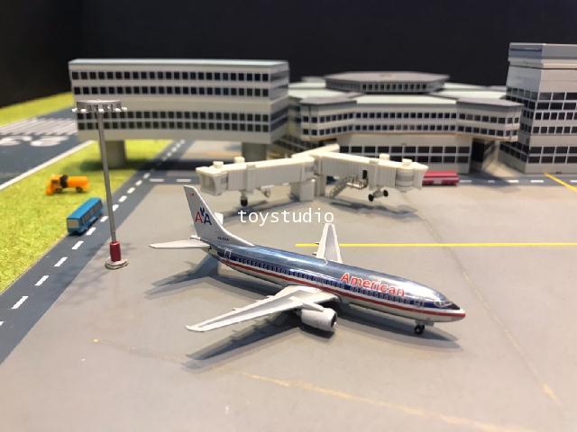 JC Wings 1:400 American 737-300 N678AA LH4049