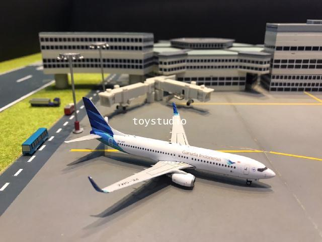 Phoenix 1:400 Garuda 737-800 PK-GMZ PH1641
