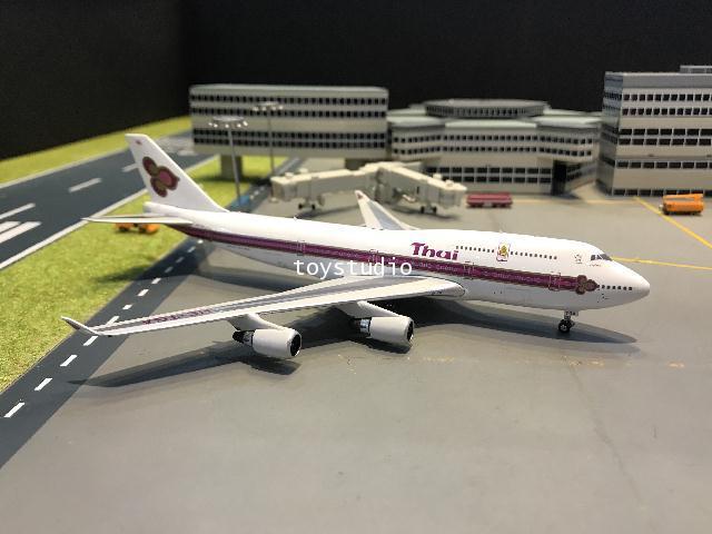 Phoenix 1:400 Thai 747-400 HS-TGA W/logo PH1647