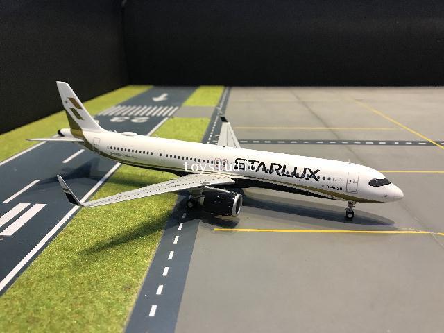 JC Wings 1:200 Starlux A321NEO B-58201 EW221N001