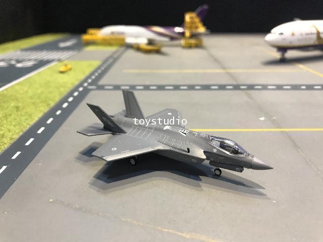 Herpa Wings 1:200 Australian AF F-35A Lightning II A35-010 HW570534
