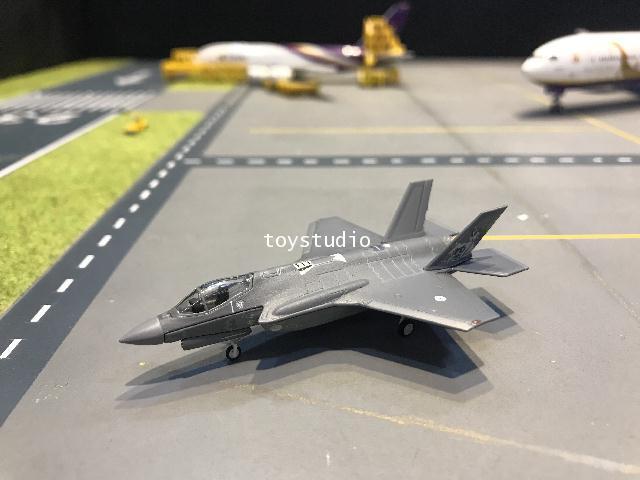 Herpa Wings 1:200 Netherlands AF F-35A Lightning II HW570671 1