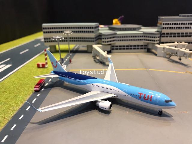 Phoenix 1:400 TUI 767-300ER G-OBYG PH1658
