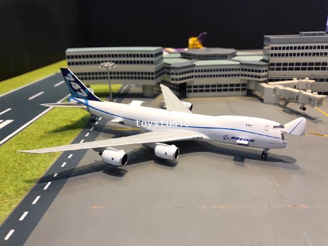 JC Wings 1:400 Boeing 747-8F N50217 LH4169C