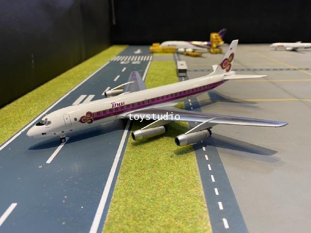 Aero Classics 1:200 Thai DC-8-33 HS-TGW AC219894 1