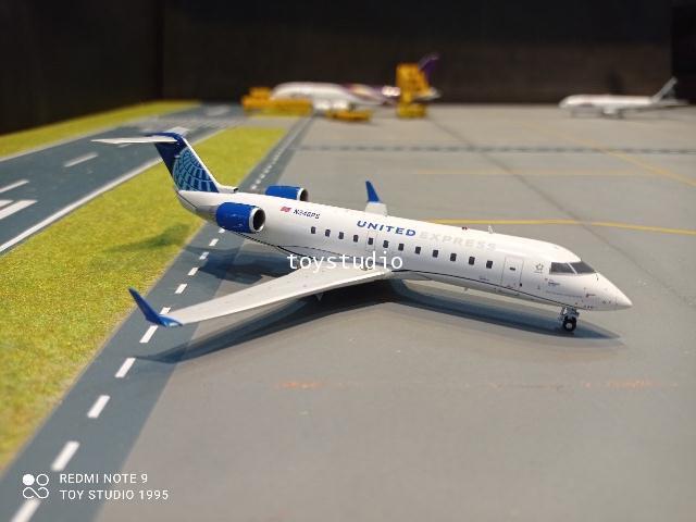 Gemini Jets 1:200 United Express CRJ200LR N246PS G2958