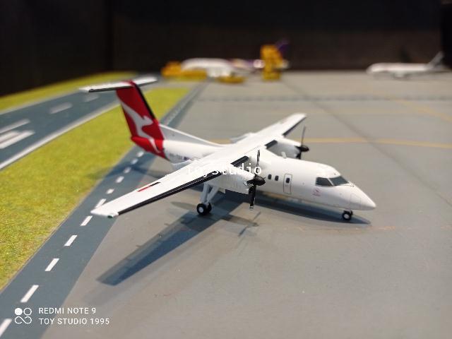 Gemini Jets 1:200 QantasLink Q200 VH-TQX G2836