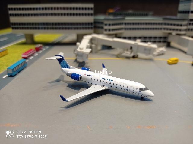 Gemini Jets 1:400 United Express CRJ200LR N246PS GJ1966