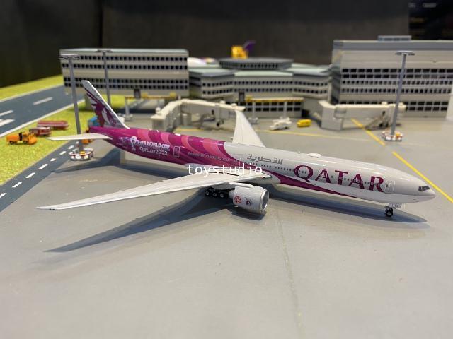 Phoenix 1:400 Qatar 777-300ER A7-BEB FIFA World cup 2022 P4370